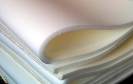 Wit verpakkingsschuim